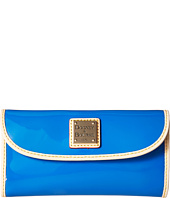 Dooney & Bourke - Patent Continental Clutch