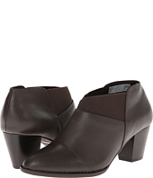 VIONIC - Point Slip On Bootee