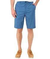 Calvin Klein - Classic Fit Twill Walking Short