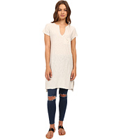 Culture Phit - Nadra V-Neck Short Sleeve Top