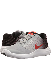 Nike Kids - Lunastelos (Big Kid)
