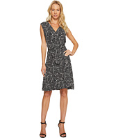 Vince Camuto - Sleeveless Modern Mosaic Belted Wrap Dress