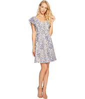 Jessica Simpson - Flutter Sleeve Lace Dress