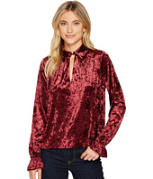 ROMEO & JULIET COUTURE - Knit Crushed Velvet Keyhole Blouse